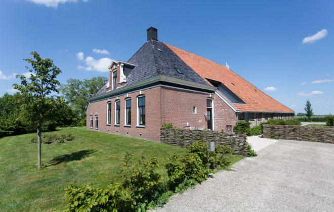 renovatie_dak_boerderij_na_voorzijde